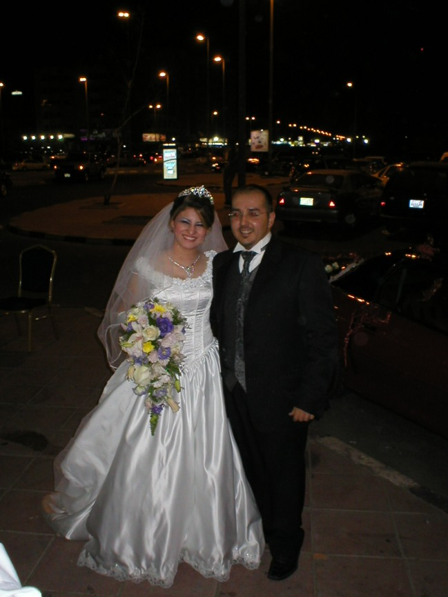 engy-nissan-infront-wedding-hall.JPG